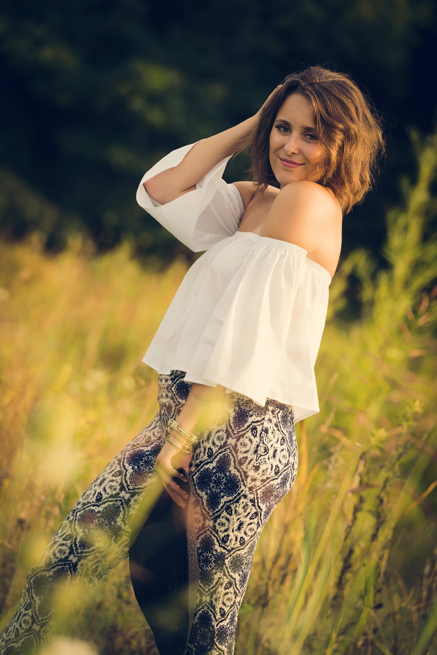 Boho-Flower-Fields-Senior-Portraits-Senior-Pictures-Brookville-Indiana-Julie-G-Photography
